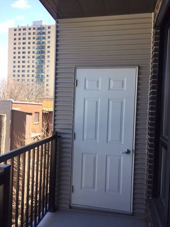 Spacious furnished 2br condo close to McGill is available @$795 per ro