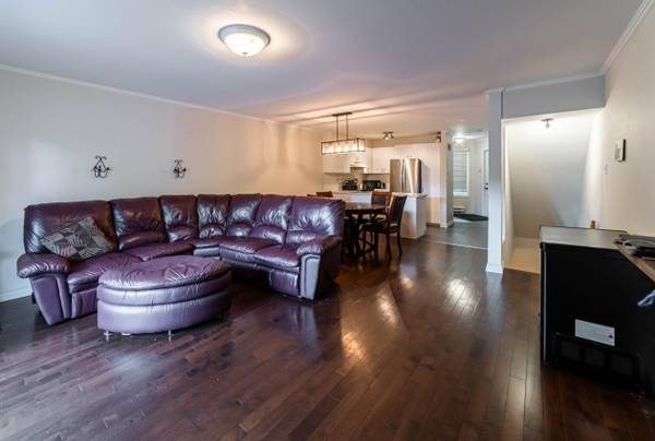 **Big promo** Very large 2 story open concept Condo with 2 bedroom nea