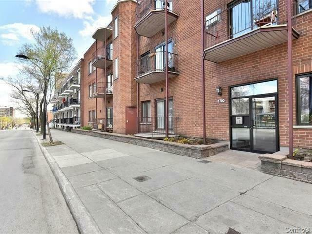 Close to Papineau metro station 4 1/2 Furnished apartment
