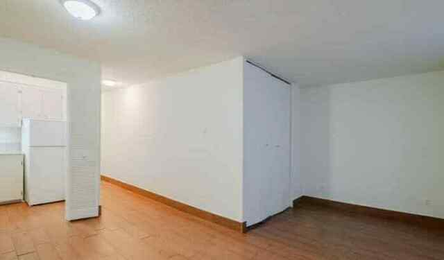 Lease transfer for a spacious 1 1/2 Studio apartment