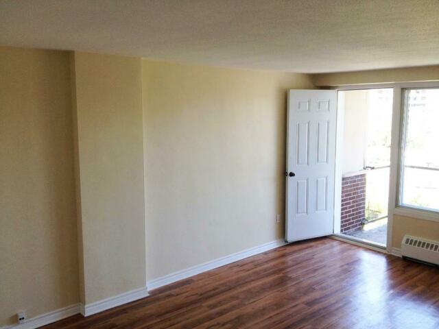 Large 2 Bedroom Premium (4 1/2) Apartment for Rent in Montreal