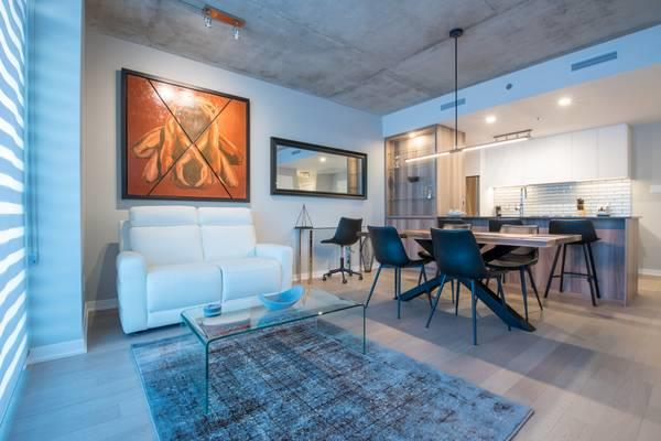 Stunning 1 Bed, 1 Bath with Beautiful Modern Kitchen and Balcony