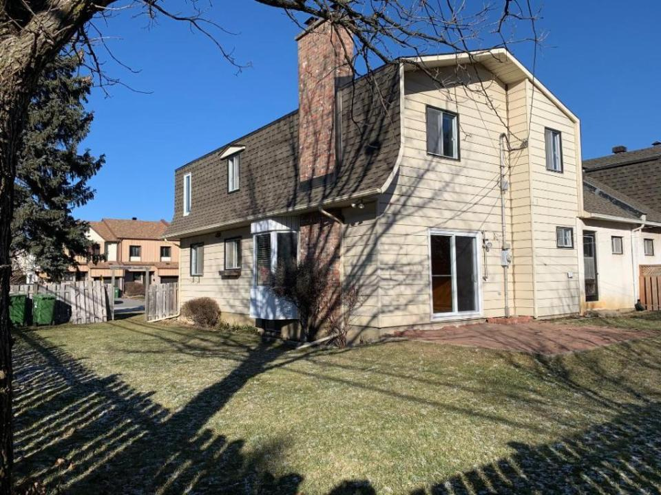 4-bedroom single family house  in West Island