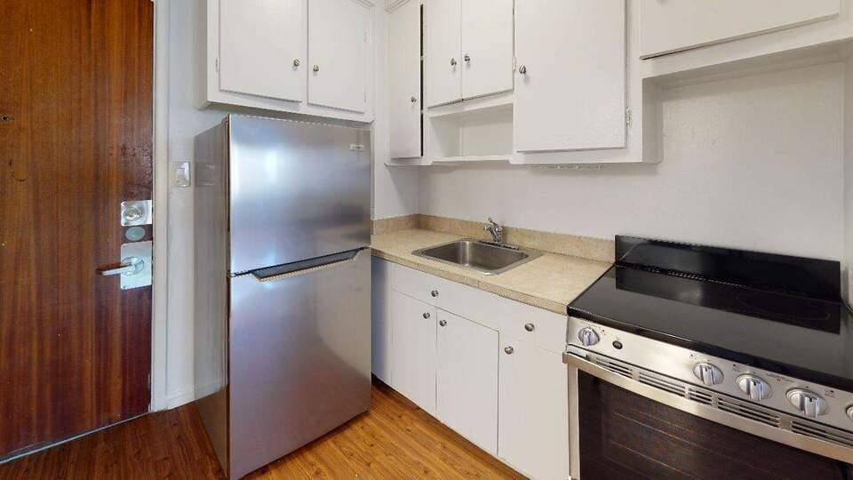 4875 Dufferin: Apartment for rent in Hampstead