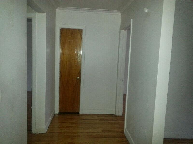 Large 4 1/2 (2 bedroom)in Parc-Ex for February or March