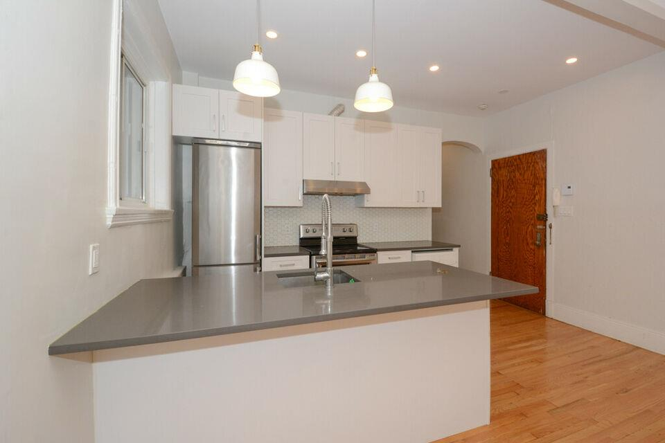 1 bedroom Mile End (completely renovated)