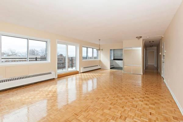 4 1/2 Penthouse - March 1st - first 3 months $1365