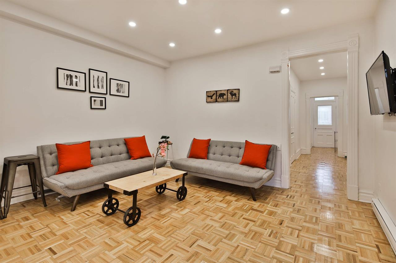 4 1/2 for rent for Now on the 1st floor of a duplex. In the Plateau, Mont-Royal district,